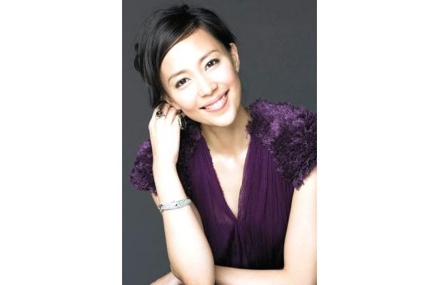 小学校から私立の名門エスカレーター校に通った、快活で都会的なセレブ美人ママを演じる木村佳乃