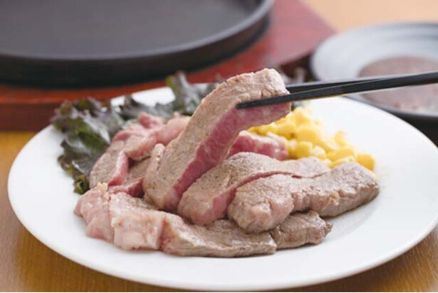 だいちゃんステーキ / 和牛A5等級のイチボを使っている「贅沢ステーキ」(200g3240円)。レアで食べるのがおすすめ