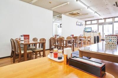 夜は50品から好きな料理が選べるオーダーバイキング(120分3980円、飲み放題付き)もある / 中華レストラン 香港