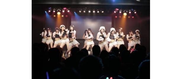【写真】名古屋市・栄のSKE48劇場で実施された公演がスクリーンで楽しめる