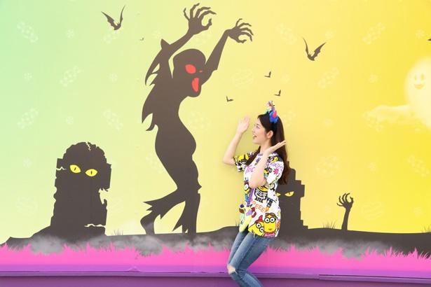 ゾンビに今にも襲われそうなユニークな写真も! /ユニバーサル・スタジオ・ジャパン