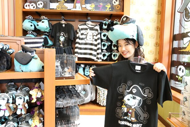 「ぬいぐるみハット」3500円「Tシャツ」3800円。キャプテン・スヌーピーになりきって/ユニバーサル・スタジオ・ジャパン