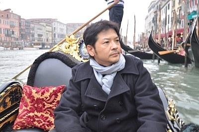 ゴンドラからヴェネツィアの街の状況をリポート