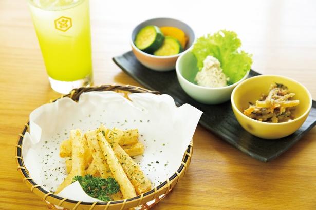 大根のほくほくした食感にお酒が進む四ツ木製麺所の「フライド大根」(300円)