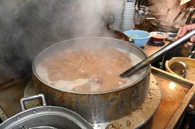 呼び戻しで作る濃厚スープ / 拉麺男