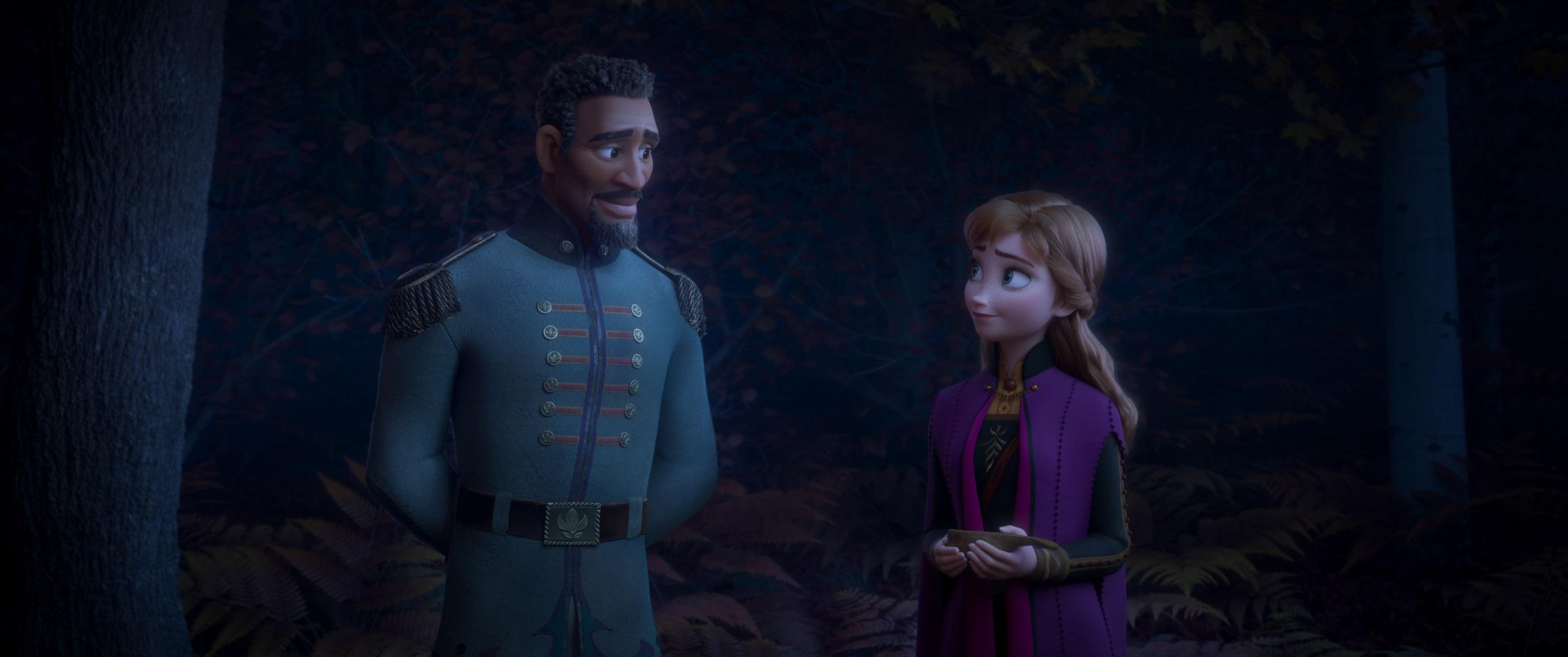 """アナと一緒にいる新キャラクターは""""マティアス少尉""""なのか!?"""