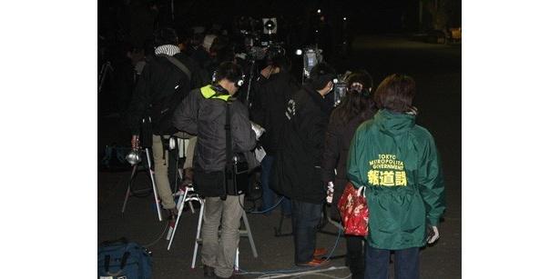 【写真】到着の瞬間には、こんなに多くの報道陣が!