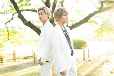 10神ACTORの山田健登(左)、坂田隆一郎(右)