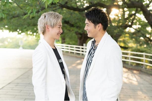 10神ACTORの山田健登(左)、北田祥一郎(右)