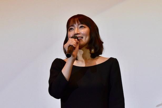 主演の吉岡里帆