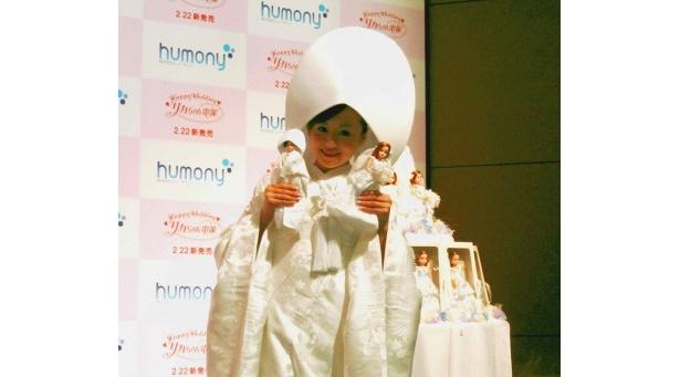 「リカちゃん電報2011」発表会に登場した夏川純