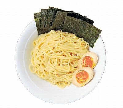 「つけめん うさぎちゃん」で出される太麺は生パスタのよう♪