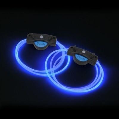 SF映画に登場しそうな青の発色が足元に魅惑のブルータイプ