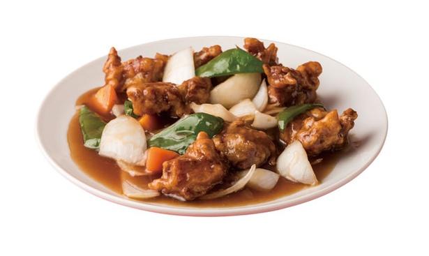 栄蘭亭 / 大ぶりの豚肉がごろっと入り、甘酢でさっと炒めた「スーパイコ」(950円)
