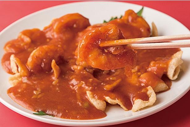 【写真を見る】栄蘭亭 / 大正エビをケチャップで味付けした人気の「エビチリ」(1350円)