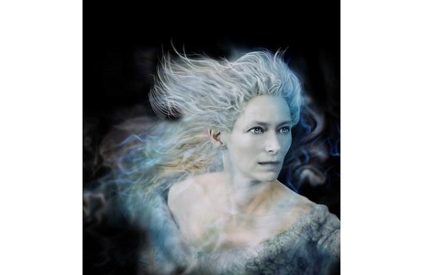 白い魔女が本作でもエドマンドを誘惑!?