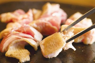 桜島溶岩焼LAVA  / 若鶏にはない旨味と抜群の歯応えが特徴の「さつま知覧どり」