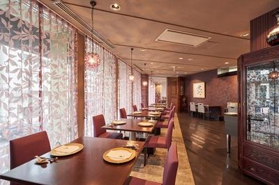 広東料理 SESSION / フレンチレストランのよう。ワインはグラス660円~、ボトル3850円~と手ごろなものも