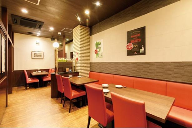 中国料理 侑久上海 本店 / 昼は行列ができる日も。夜はカップルや家族連れ、接待など利用の仕方は多彩
