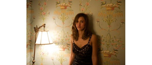 劇中でジェシカ・アルバが演じるのは、主人公の凶暴性を目覚めさせる娼婦のジョイス