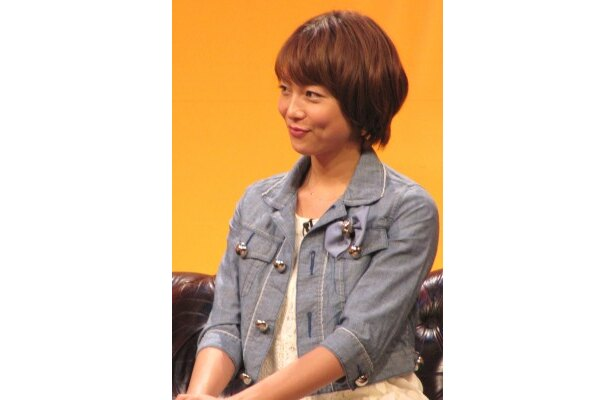 レイトンの助手レミを演じる相武紗季