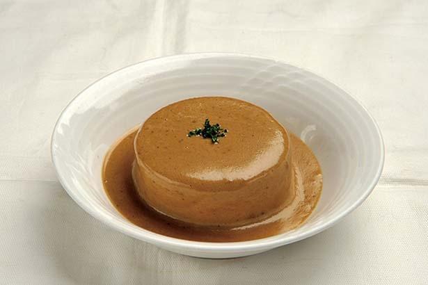大根のおでんポルチーニ茸ソース(194円)。コンソメで炊いた創作おでんは必食!/Rouge et blanc Kohaku