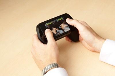 iPhoneがコントローラーに! 「GAME HANDLE」(2480円)