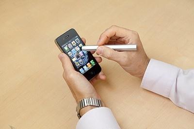 操作しやすいタッチペン「Just Mobile AluPen」(2480円)