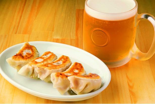 餃子5個(400円)、生ビール(550円)
