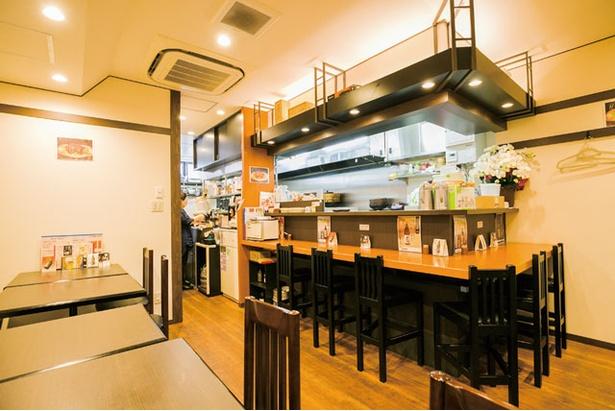 移転して4年目。厨房は内装業者が驚くほど美しさを維持している / 手作り餃子の店 蘇州