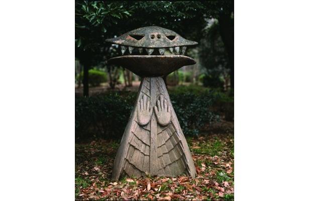 美術展「生誕100年 岡本太郎展」/東京国立近代美術館 で見られる「ノン」(1970年) 太郎の否定の象徴的作品だ