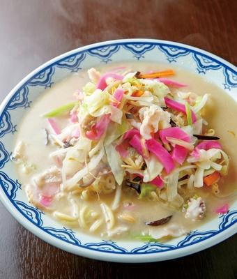 あっちゃん亭 / まろやかな旨味を出す鶏ガラ100%のスープ「ちゃんぽん」(200g780円)