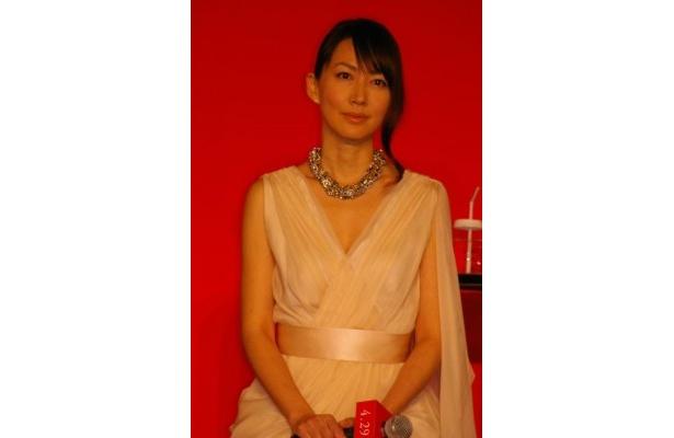 恵梨菜(井上真央)の実母を演じる森口瑤子
