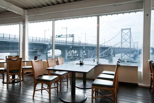 眺望抜群のレストラン/道の駅うずしお レストラン