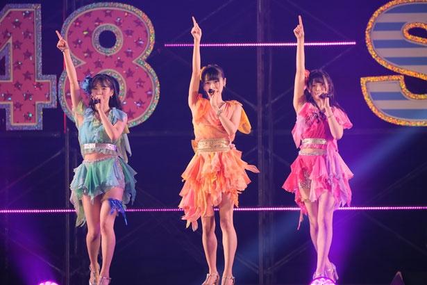 左から行天優莉奈(AKB48)・中村舞(STU48)・下尾みう(AKB48)