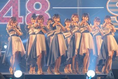 AKB48は新曲『サステナブル』を披露!