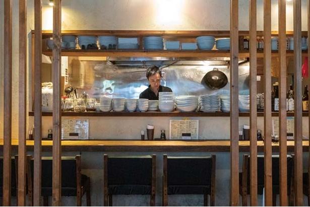 餃子・中国酒菜 胡坊 / 掘りごたつ席もある。ドリンクは甕出し紹興酒(540円)がおすすめ