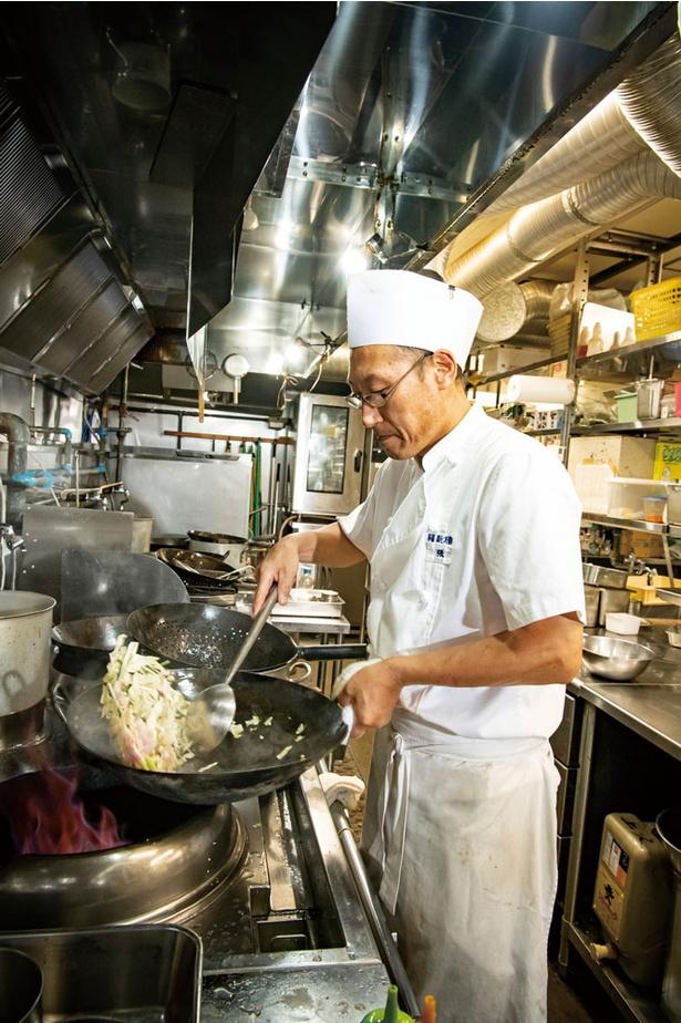 福新樓 / 総料理長は代表の実弟・敬福さん。かつての料理長で現在、料理顧問の王 和雄さんは福岡市が認める高技能者「博多マイスター」