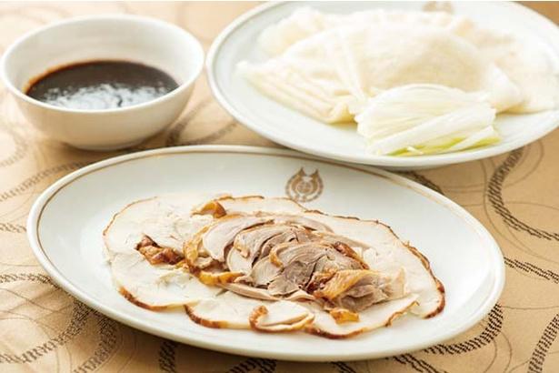 福新樓 / 鶏肉、ネギなどを薄餅で包む、「博多ショウケイ」(8枚盛り1674円)