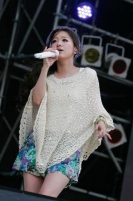 沖縄では初ライブの西野カナ。新曲「Distance」も披露