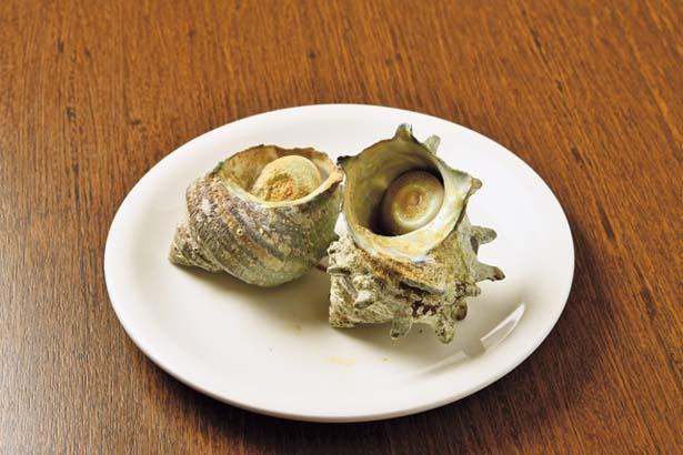 サザエのつぼ焼(600円)。サザエも秋から冬にかけて旨味がアップ/海女小屋ちさと