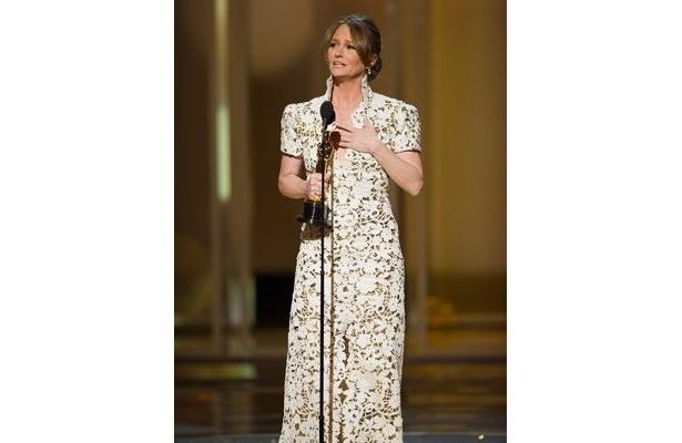 助演女優賞を受賞したメリッサ・レオ。「シルバーのホイルを使った包装紙のようなファッション」