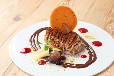 六甲ガーデンテラスのグラニットカフェ『渋皮栗のモンブラン〜季節のフルーツ添え〜』カフェ・レストランも充実!グルメも堪能しよう