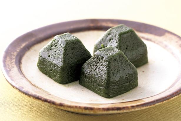 生茶の菓3個入り(750円)。なめらかな口溶けと共に ふくよかな濃茶が広がる/マールブランシュ 八条口店