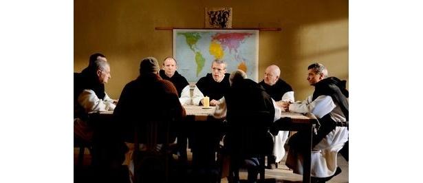 『神々と男たち』はカンヌ国際映画祭グランプリ受賞作。セザール賞では3部門受賞で、日本では3月5日(土)より全国順次公開