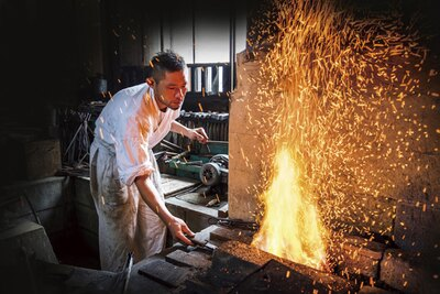 イケメン鍛冶工に教わりながら、スプーンやペアリングなどのオリジナルアイテムを作れる / 長良川おんぱく 2019