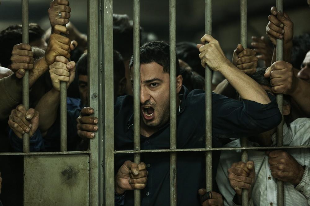 警察と麻薬組織の対決を描くクライム映画『ジャスト 6.5』