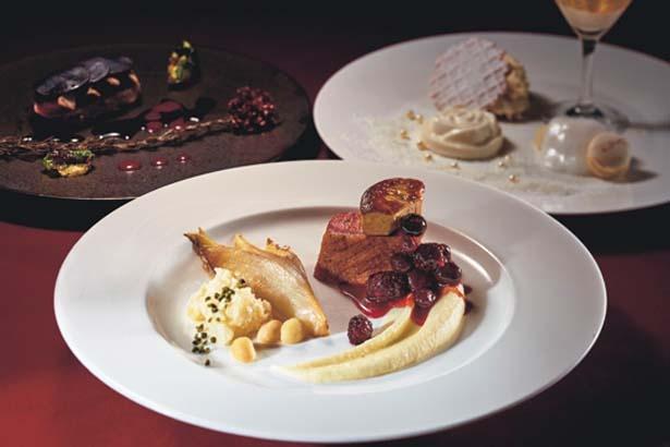 オードブルと3種から選べるメインディッシュ、デザートの計3皿がセットになったコース料理(4000円)/ユニバーサル・スタジオ・ジャパン