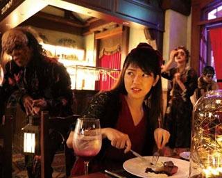 "USJの進化した""大人ハロウィーン""お楽しみガイド!新登場のホラー・レストランなどに行ってきた"
