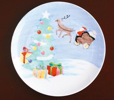 クラフトセンターでは「サンタの塗り絵プレート」(税込 2000円)が登場する。下絵が書いてあるので簡単に仕上げられる